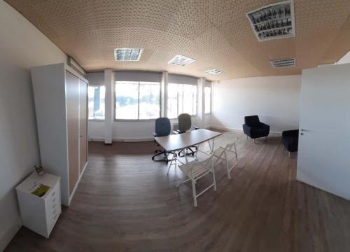 bureau 32m²